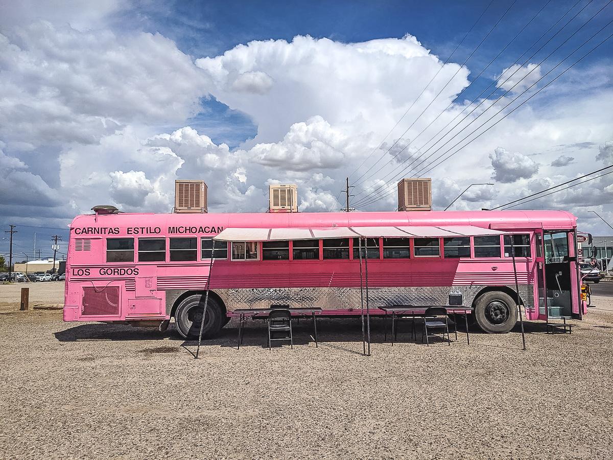 Carnitas Estilo Michoacán Los Gordos bus